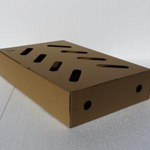 Veľká pevná krabica na zákusky