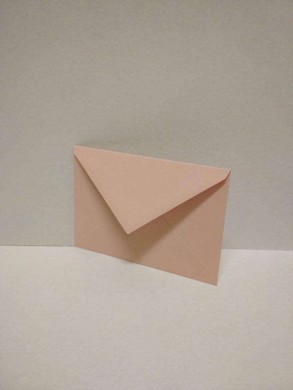 Slabo ružová obálka na pozvánky