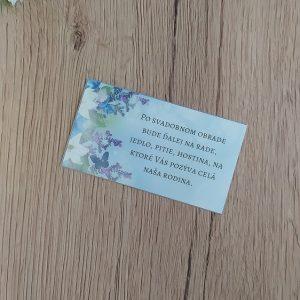 Pozvanie k svadobnému stolu – Pozadie fialových kvetov